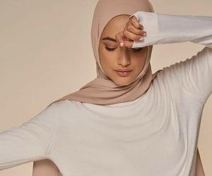 aesthetic, arabian, and hijab image