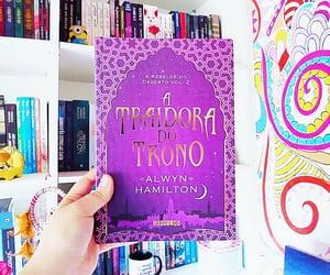 book, hero at the fall, and a heroína da alvorada image