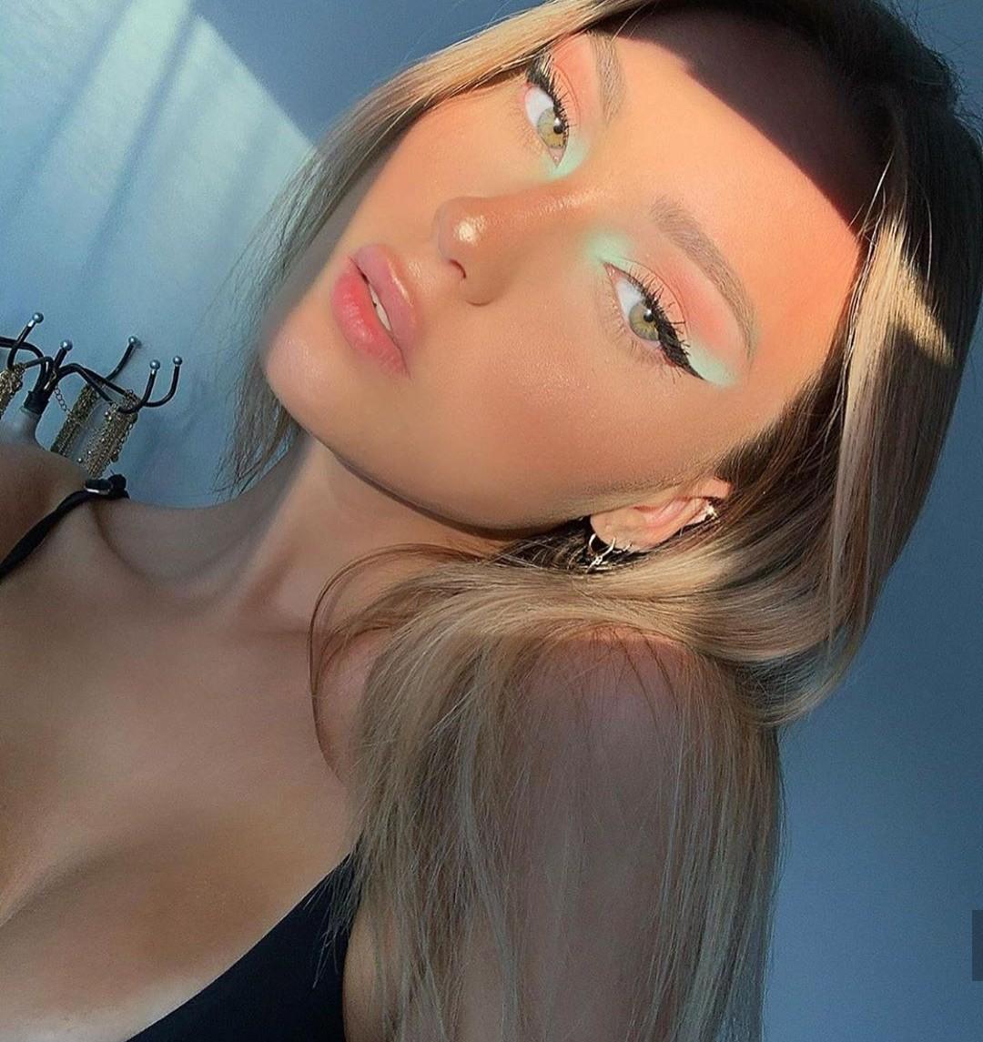 article, cosmetics, and Lipsticks image