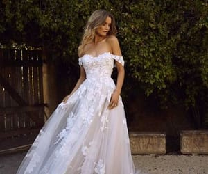 Gorgeous Ball Gown Off the Shoulder Tulle Lace Wedding Dresses from Dressmeet