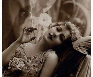 vintage photography, vintage, and the 1920's image