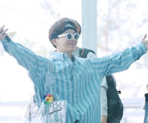 kpop, airport fashion, and bts image