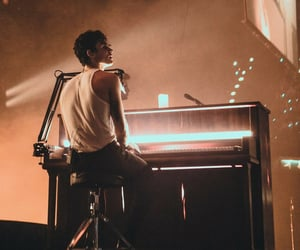 shawn, tour, and shawn mendes image