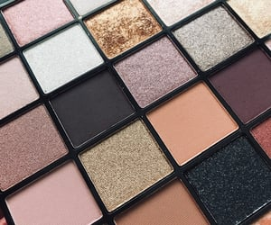 eyeshadow, beauty, and brownish image
