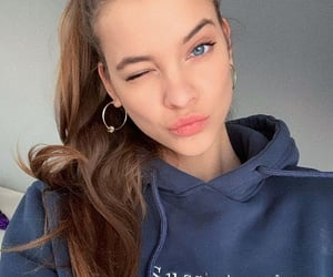 barbara palvin and beauty image