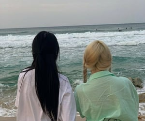 aesthetic, beach, and girls image