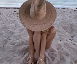 beach and hat image