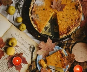 One of the most important October things - pumpkin pie. Do you have your own pumpkin pie recipe? 🍁#october #autumn #fall #pumpkin #pie
