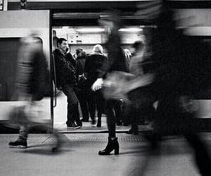 noir et blanc, train, and ville image