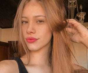 beauty, blond girl, and cabelo liso image