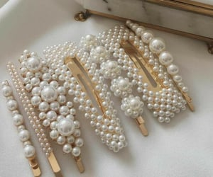 pearls and aesthetic image