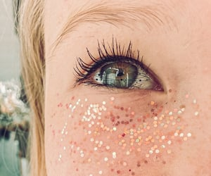aesthetic, glitter, and green eyes image