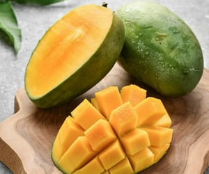 FRUiTS and mango image