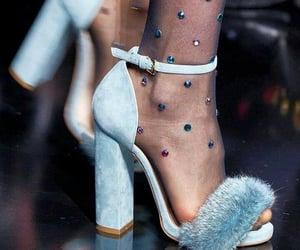 belleza, sandalias, and elegancia image