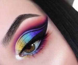 Awesome eye makeup art.........✨