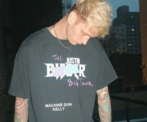 guy, rapper, and machine gun kelly image
