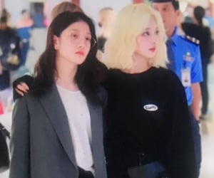 preview, lq, and fromis_9 image