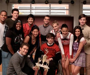 article, glee, and kurt hummel image