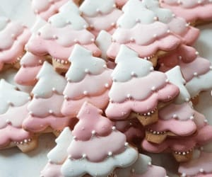 The best fun, decorated royal icing Christmas cookie ideas. Cute ideas for a gift exchange, for kids and adults to enjoy. Some may look easy, but there is so much detail work in all of these cookies from traditional, classic decoration style, to fun and c
