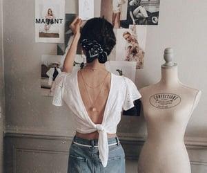 girl, vintage, and aesthetıc image