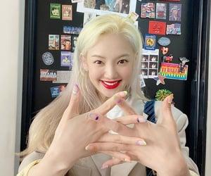kpop and hyoyeon image