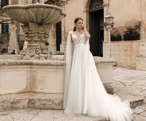 beauty, fashion, and gowns image