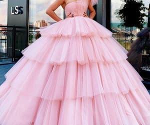 vestido de festa, one shoulder prom dress, and ball gown prom dress image