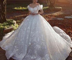 robe de mariée, princess wedding dress, and vestido de nova image