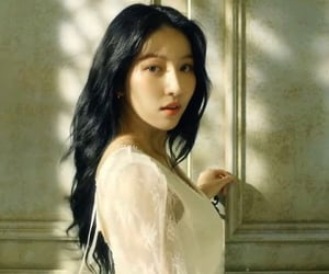 kpop, song of the sirens, and sowon image