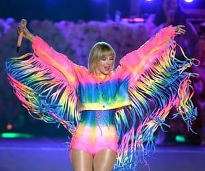 colours, fashion, and celeb image