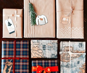 gift and wrapping image