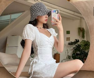 clothes, korean, and chuu image
