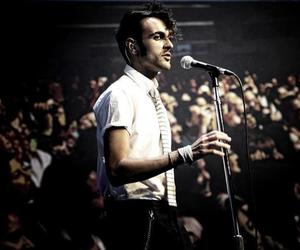 solo and marco mengoni image