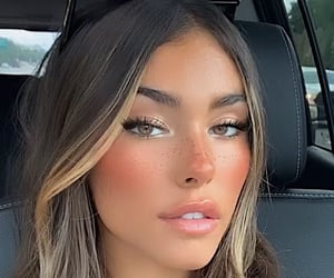 madison beer and celebrity image