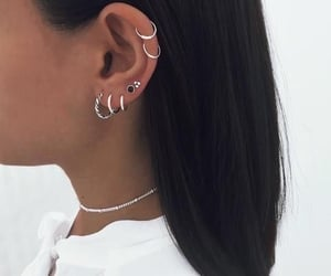 earrings, Je, and piercing image