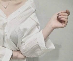 جُمال and بيضاء image