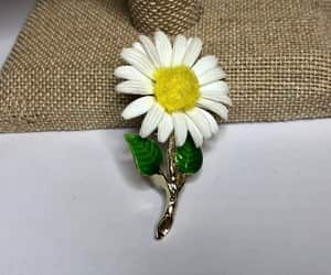 daisy flower, etsy, and flower pin image