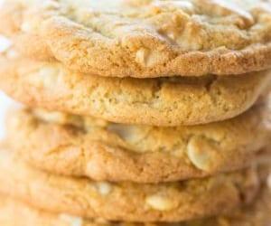 Cookies, macadamia nut, and white chocolate chip image