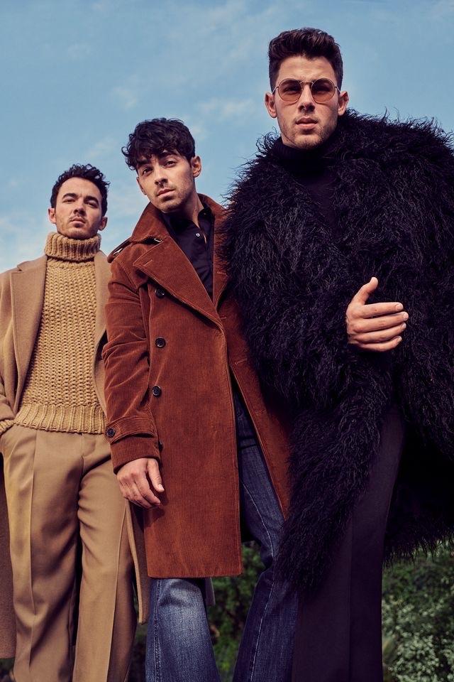 kevin jonas, Joe Jonas, and jonas brothers image