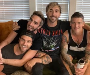 alex gaskarth, all time low, and music image