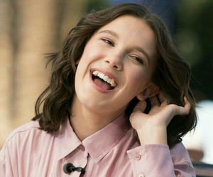 millie bobby brown and stranger things cast image