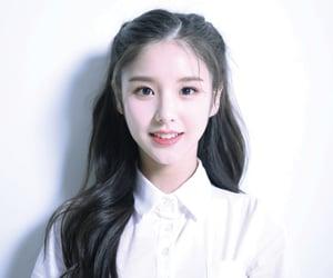 loona, kpop, and heejin image