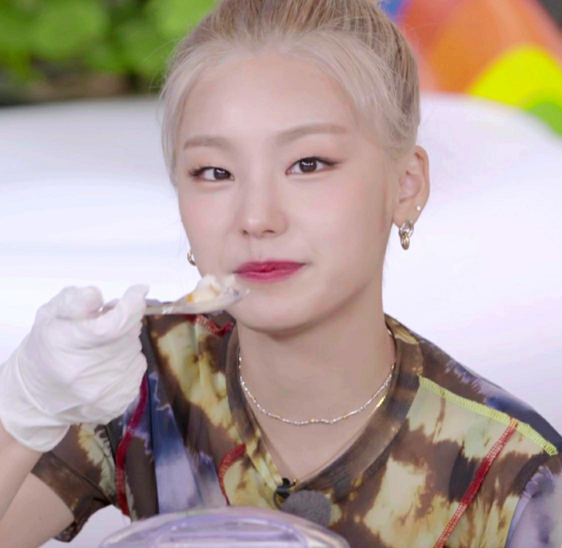 gg, lq, and itzy image