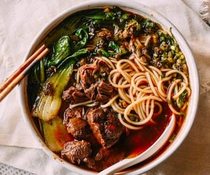 noodle soup, asian food, and taiwanese food image
