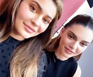 gif, kendall jenner, and kylie jenner image