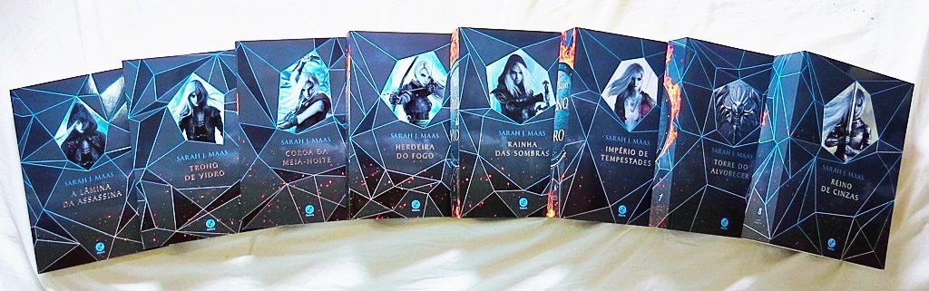 books, queen of shadows, and empire of storms image