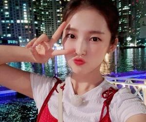 OMG, arin, and choi yewon image