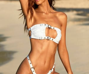 hot body, white bikini, and robin holzken image