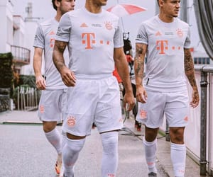 fc bayern münchen, spain nt, and philippe coutinho image