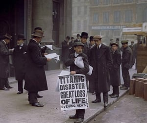 1912, newspapers, and titanic image
